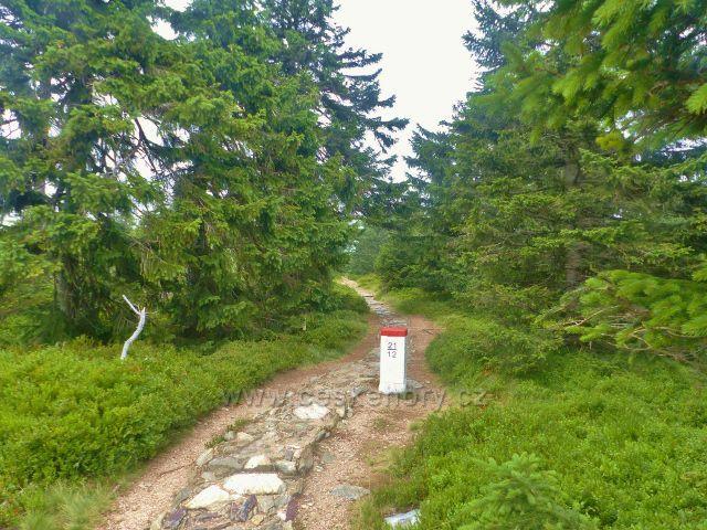 Horní Malá Úpa - stezka z Čela na Pomezní boudy kopíruje státní hranici s Polskem
