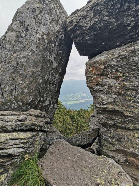 skalní útvar Kamenné okno