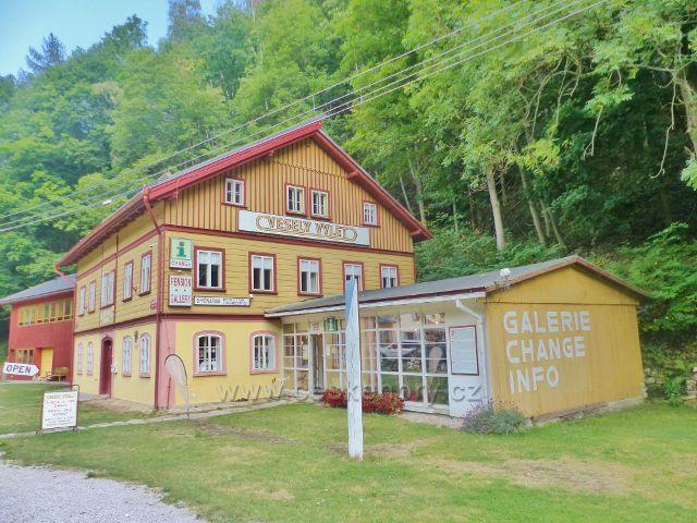 Horní Maršov - Temný Důl.Veselý Výlet, kde najdeme informační středisko,galerii,penzion i směnárnu na jednom místě