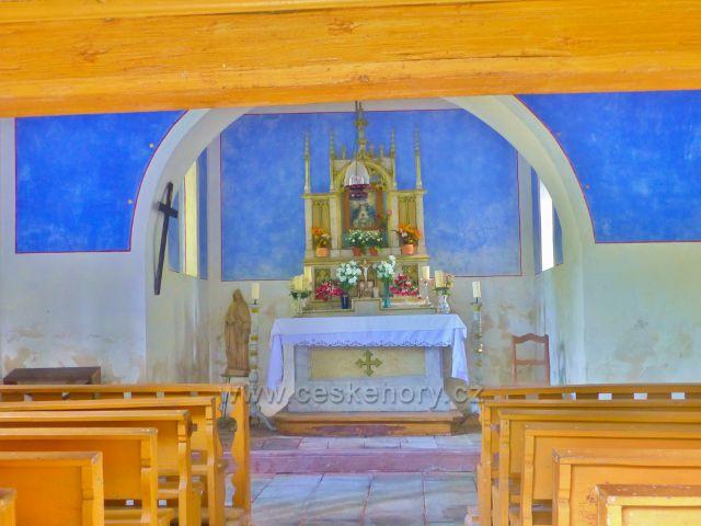 Horní Maršov - interiér kaple sv.Anny v Tmavém Dole