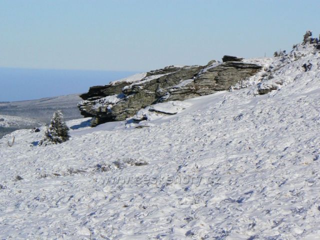 Tabulové skály pod vrcholem Pradědu