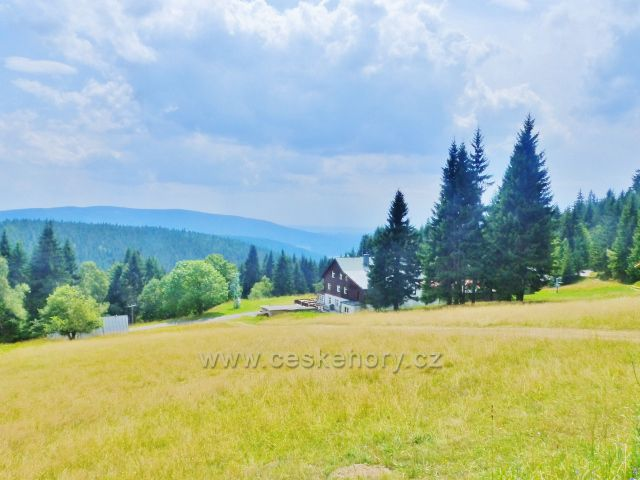 Horní Maršov - pohled od chaty Poutník k Lysečinské boudě