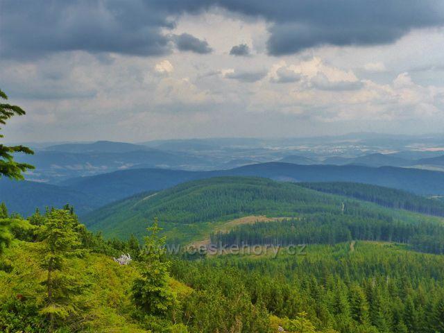 Malá Úpa - pohled z Pomezního hřebenu na polskou stranu Krkonoš