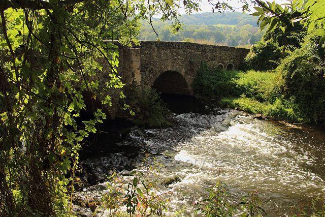 Kamenný most přes Bílinu