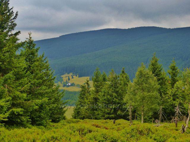 Malá Úpa - pohled z hraniční cesty ing. Nováka ke  Svorové hoře a do údolí Horní Malé Úpy