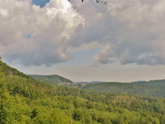 Žacléř - Stachelberg, pohled z vyhlídkového místa k Žacléři