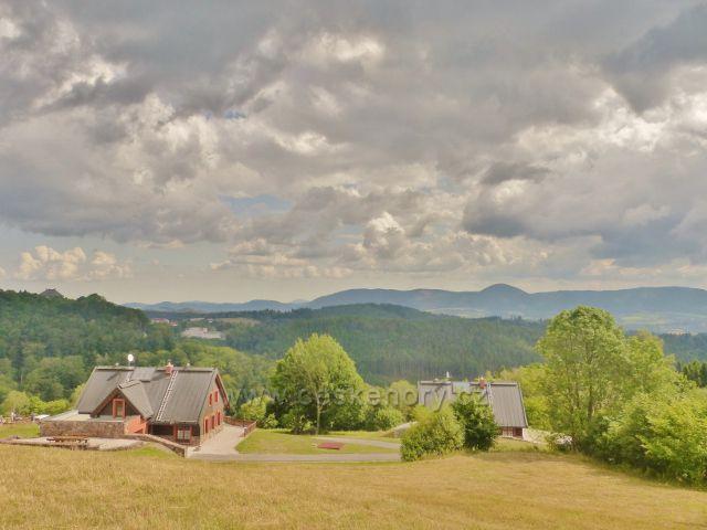 Žacléř - pohled z Vernířovské cesty  k Vraním horám
