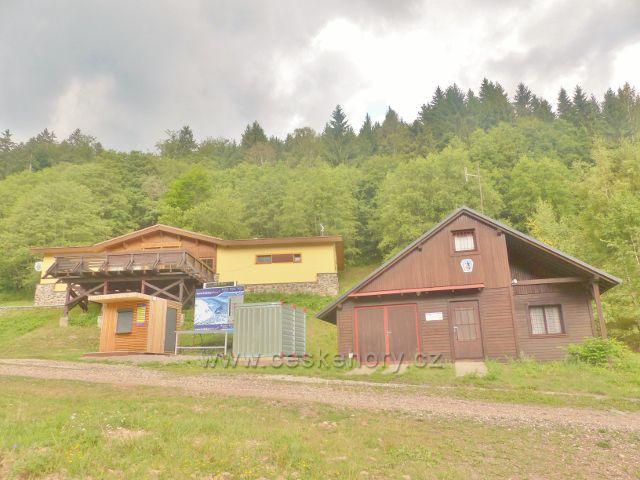 Žacléř - objekt Horské služby Prkenný Důl u odbočky silničky k horské chatě Ozon