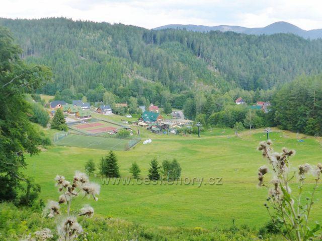 Žacléř . -             Žacléř - pohled ze silnice ke Stachelbergu na Sportovní areál v Prkenném Dolu