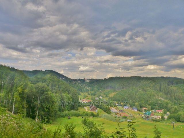 Žacléř - pohled ze silnice ke Stachelbergu na část Prkenného Dolu a Žacléř