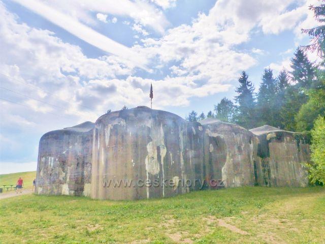 Žacléř - čelní strana dělostřelecké tvrze Stachelberg
