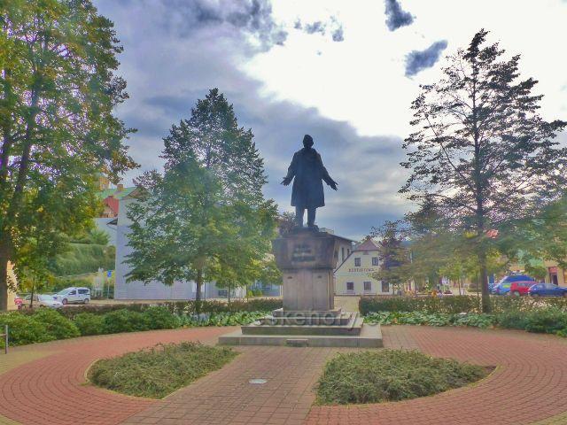 Semily - socha Františka Ladislava Riegra na  Riegrovo náměstí