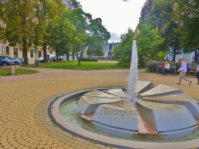 Semily - fontána na Riegrovo náměstí