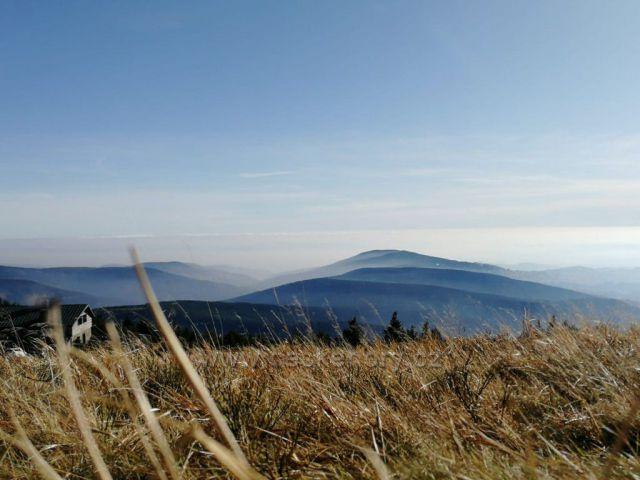 Výhled od Vrbatovy boudy na Žalý
