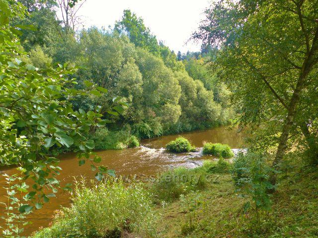 Semily - řeka Jizera pod splavem