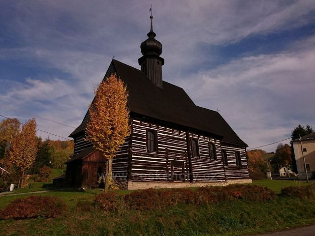 Kostel sv. Michaela Archanděla Maršíkov Dřevěný kostel z roku 1609 postavený na místě původního kostela se zachovalým původním interiérem s miniaturními varhany, je nestarší roubenou stavbou na severní Moravě.