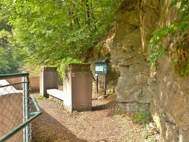 Semily - Riegrova stezka. Areál jímacího jezu na Jizeře