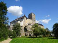 hrad Kost z údolí Plakánek