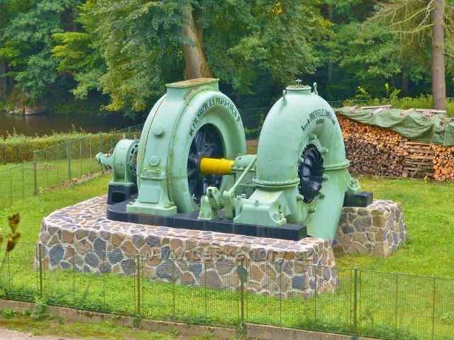 Spálov - historické turbosoustrojí před MVE Spálov