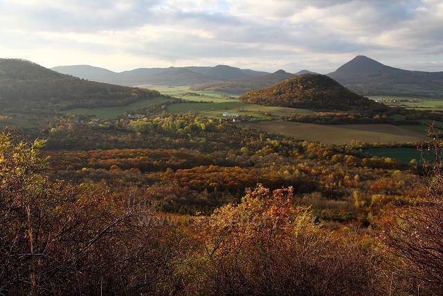 Výhled z Ovčína na Boreč