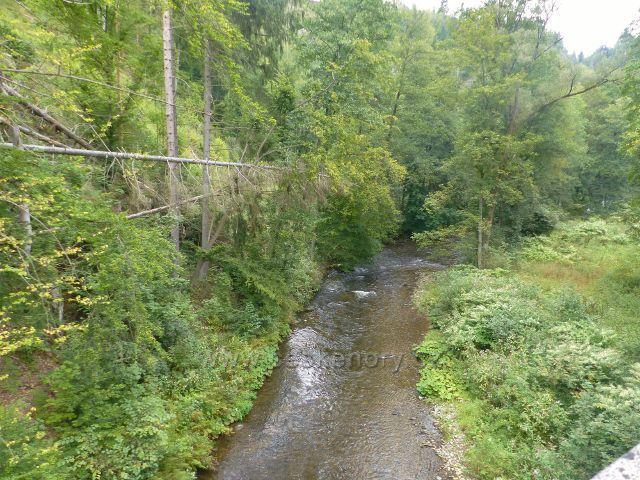 Spálov - poslední desítky metrů Kamenice před jejím soutokem s Jizerou