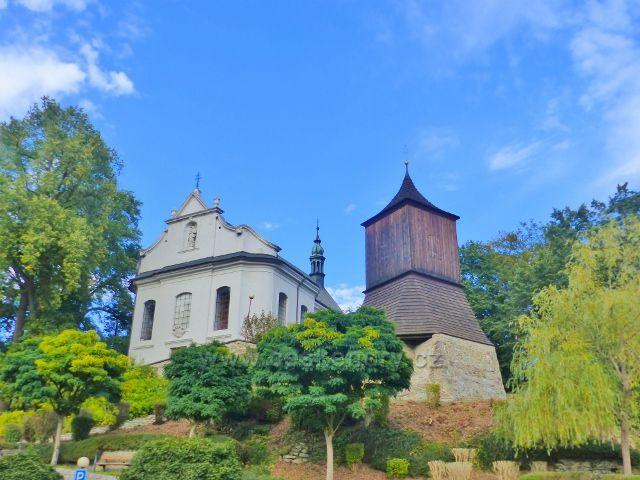 Železný Brod - kostel sv.Jakuba Většího a zvonice pod ním