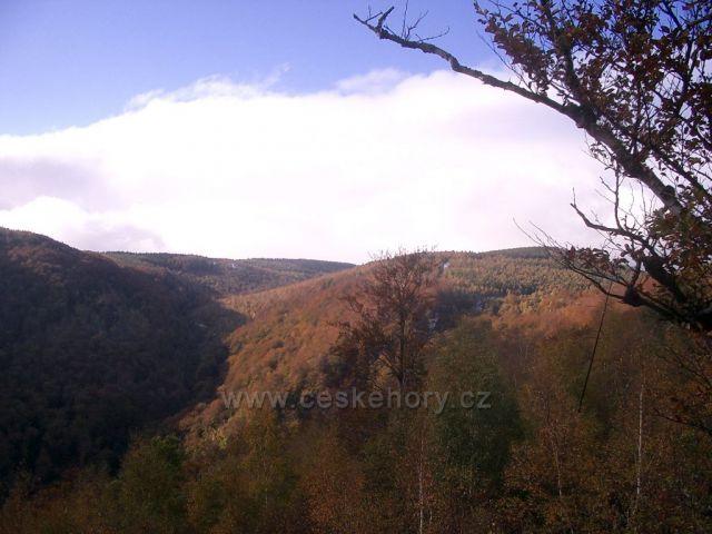 Jezeří - východní skalnatá část