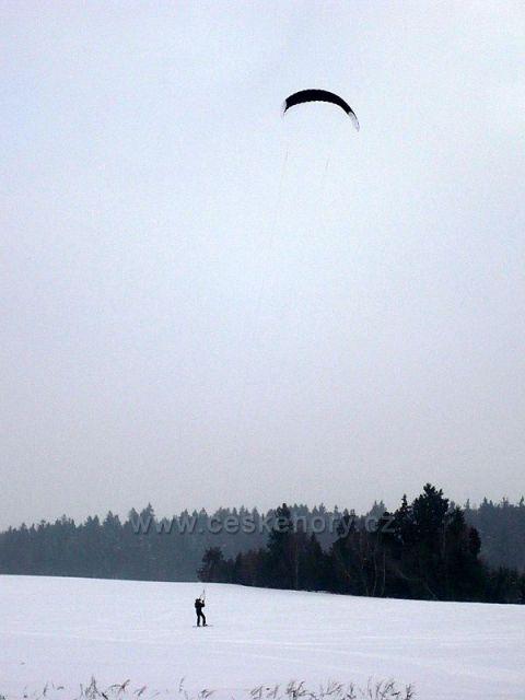 S křídlem na sněhu 2010