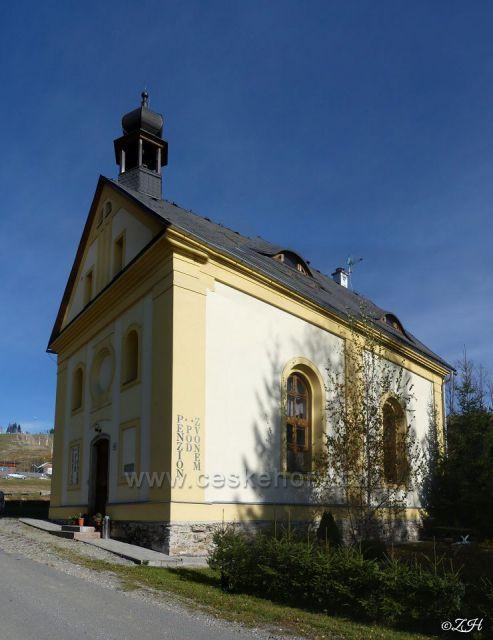 Odsvěcená kaple sv. Petra a Pavla, dnes penzion