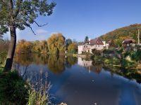 Rybník Valcha ve Varnsdorfu u hraničního přechodu do Seifhennersdorfu.
