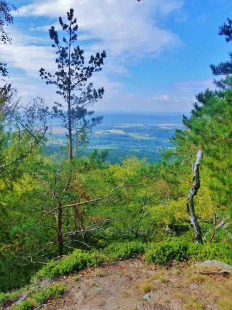 Kozákov - výhled ze skalního útvaru Drábovny