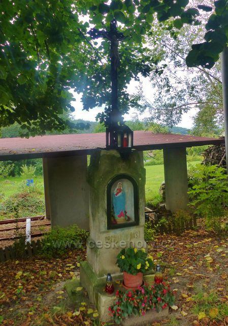 Boží muka na rozcestí v obci Loktuše