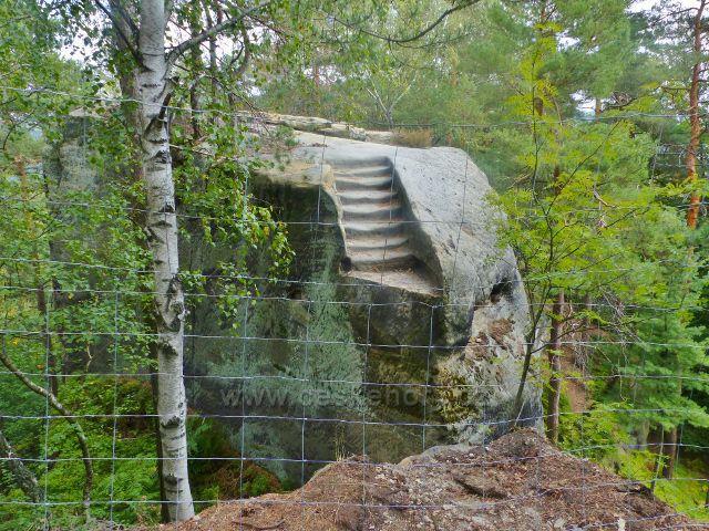 Klokočské skály - chráněný výstup k výhledovému místu