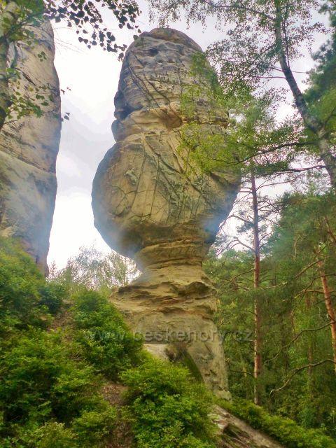 Klokočské skály - skalní věž Džbán