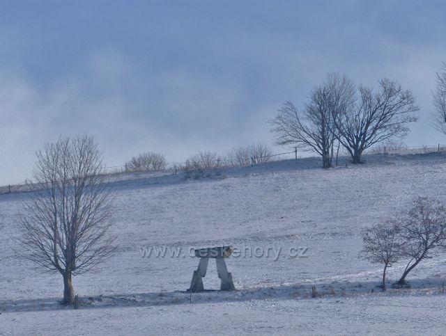"""Králíky - """"Mramorová brána"""" na úbočí Mariánské hory je připomínkou těžby a zpracování mramoru na Králicku"""