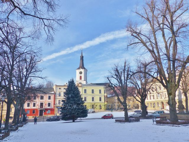 Králíky - Velké náměstí s vánočním stromem