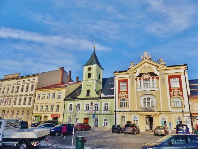 Králíky - klasicistní budova muzea z 18.století v níž sídlí rovněž Městské informační centrum