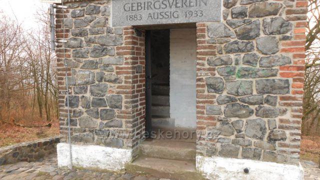 vchod do rozhledny Erbenova vyhlídka