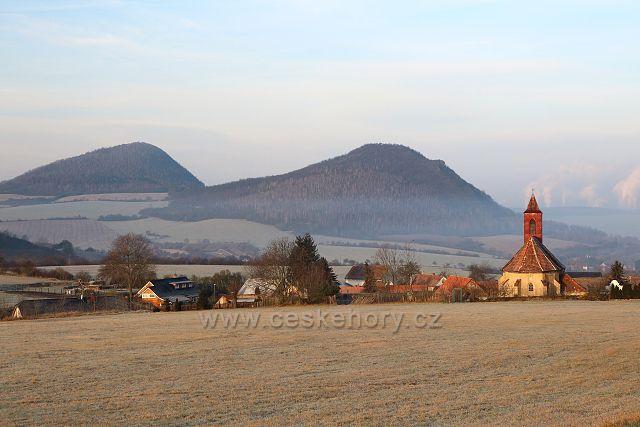 Želenický vrch a Zlatník od Chouče