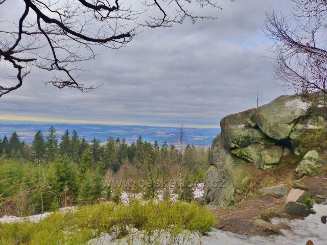Jestřebí hory - pohled z výhledového místa u rozcestí pod rozhlednou Žaltman