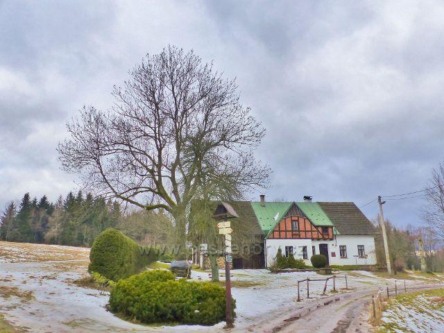 """Jestřebí hory . turistický rozcestník """"Paseka 680 m.n.m."""""""