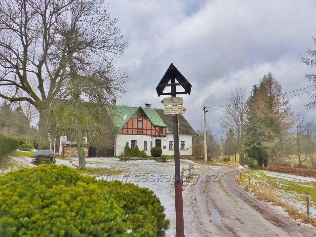 Jestřebí hory - cesta z osady Paseka do Radvanic nebo pod Markušovický kopec