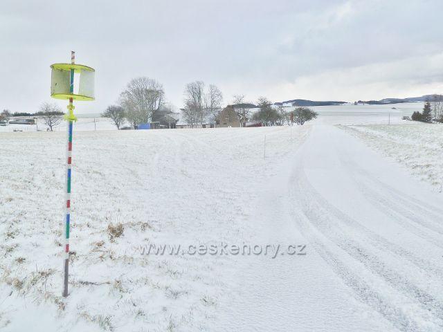 """Kunvald - Končiny, větroměr"""" u silnice"""