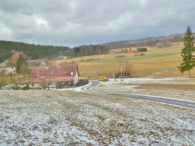 Líšnice - pohled ze silnice ke Zbudovu na Zákopanku