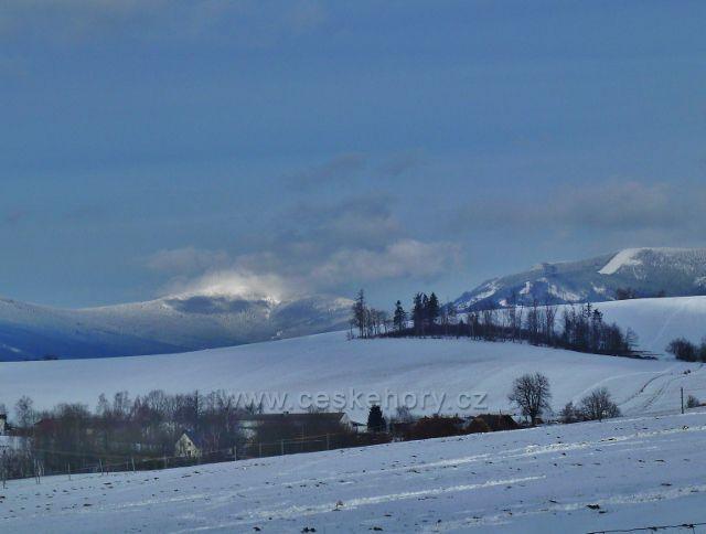 Králíky - pohled  na Králický Sněžník a Slamník
