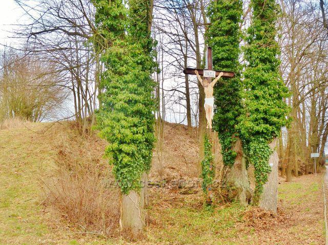 Žamberk - dřevěný kříž s Ježíšem Kristem