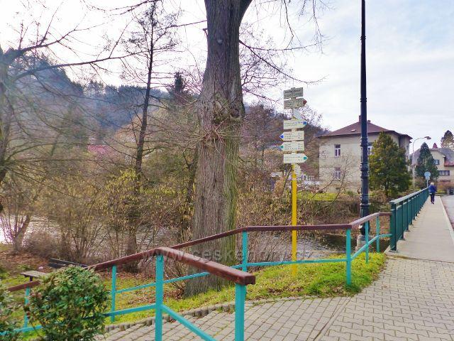 """Potštejn - turistický rozcestník   """"Potštejn(most) 301 m.n.m."""""""