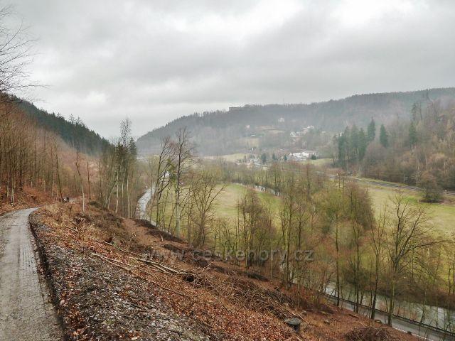 Vadětín - pohled do údolí Tiché Orlice. V pozadí Lanšperk