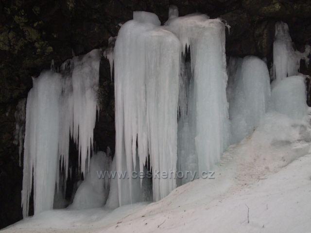 Zmrzlá krása ledopádu.Lom u Hodkovic