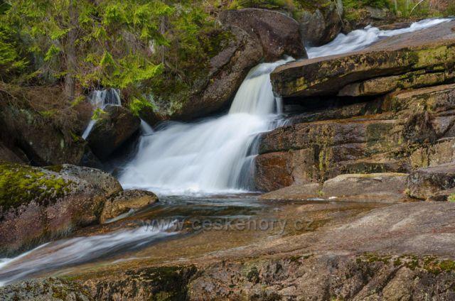 Plotnový vodopád na Černý Desný 13.04.2020